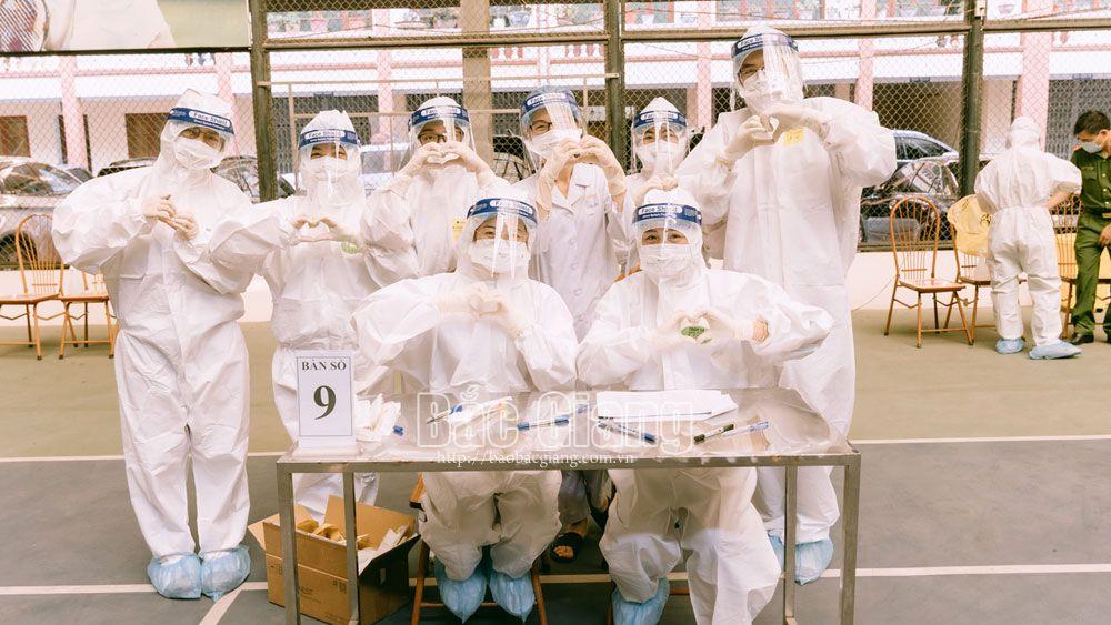 Đoàn hỗ trợ Đại học Kỹ thuật Y tế Hải Dương: Những người đến trước, về sau